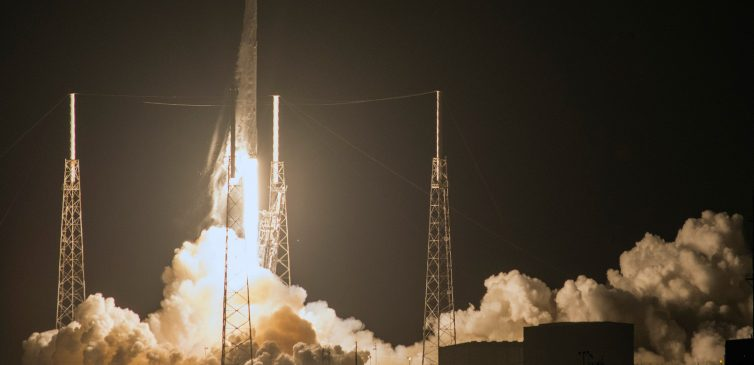 spacex-falcon-9-july-18-2016-flickr
